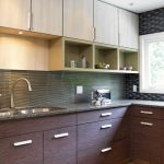 Выбираем материал для кухонных конструкций