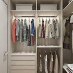 Превращаем кладовку в гардеробную комнату